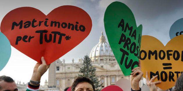 M5s: matrimoni gay, legge anti-omofobia e cambio di genere, i primi ddl dei grillini in Parlamento (FOTO,
