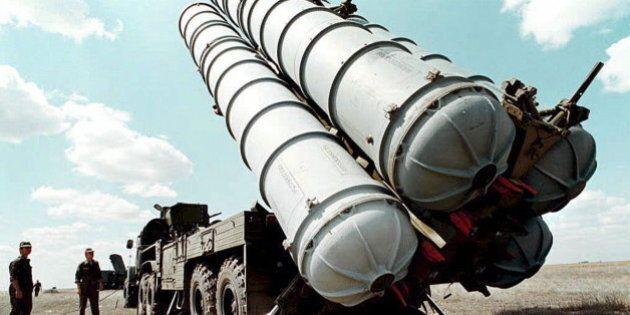 Missili russi con testate atomiche al confine europeo, la rivelazione del quotidiano
