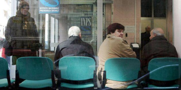 Pensioni, rivalutazione al 95% per quelle fino a 2000 euro. Ok all'emendamento alla legge di