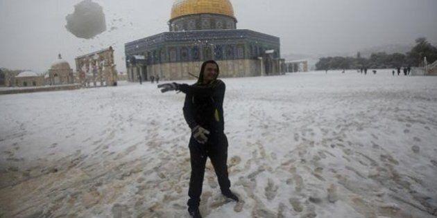 Un circolo Pd a Gerusalemme. Il primo della zona, apre i battenti sotto la neve