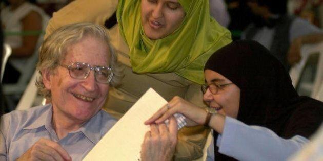 Noam Chomsky su Barack Obama e la Siria. Critica gli errori americani a Damasco e racconta le