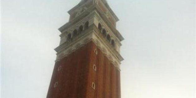Vinyls: operai sul campanile di San Marco a Venezia,