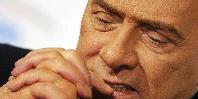 Decadenza Silvio Berlusconi, il Cav teme l'arresto a Napoli: