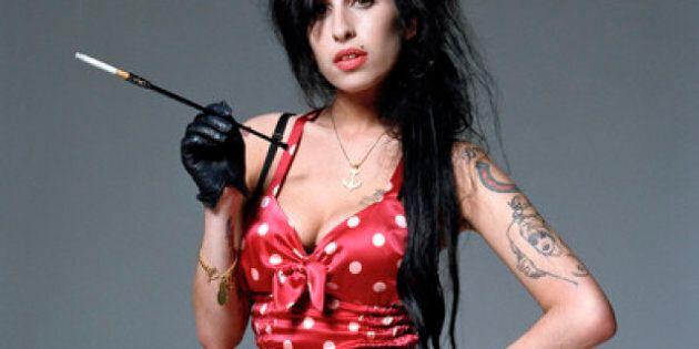 Amy Winehouse: ha passato le ultime ore guardando se stessa su Youtube (FOTO,