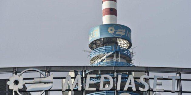 Mediaset non esercita opzione per quota Prisa in Digital+, ma non chiude il dossier. Si muove anche Proto