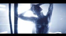 Miley sexy aliena... si spoglia anche nei videoclip degli altri artisti
