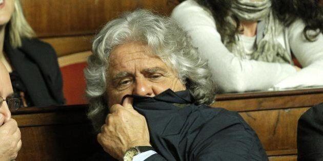 M5s, soldi (pubblici) per il buffet in onore di Grillo. Ma nella rendicontazione diventano