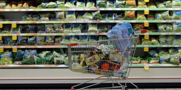 Inflazione resta ferma al +0,7% a gennaio. Cambia il paniere Istat, dentro sigarette elettroniche e giornali...