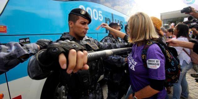 Mondiali 2014, governo brasiliano alza gli stipendi dei poliziotti del 15,8% per evitare il rischio