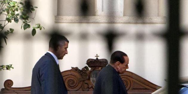 Decadenza Silvio Berlusconi: Dudù, passeggiate, figli e consigli. Ad Arcore la vigilia del Cav. Forse...
