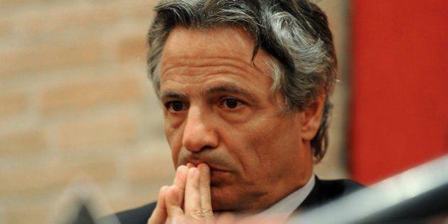 Mps, le intercettazioni delle telefonate a Giuseppe Mussari svelano un rapporto di favori con i