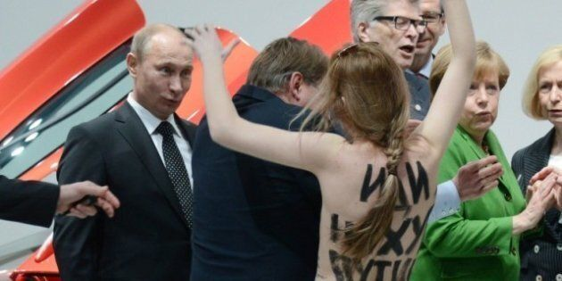 A Putin le Femen