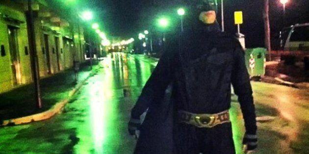 Isernia: un Batman si aggira per la città,