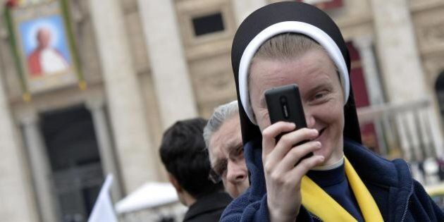 Canonizzazioni, il giorno dei quattro Papi. Karol Wojtyla e Angelo Roncalli proclamati santi