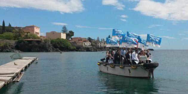 Giorgia Meloni e Fratelli d'Italia organizzano uno sbarco simbolico: