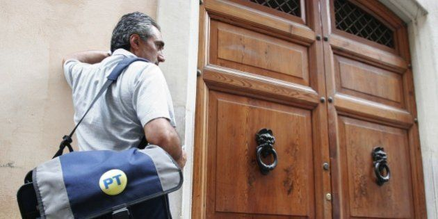 Poste italiane nega l'assunzione di oltre mille postini. Smentisce il bando ma manca il