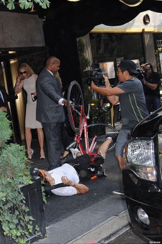 Nicole Kidman investita da un paparazzo in bici. Era appena uscita dall'evento Calvin Klein a NYC