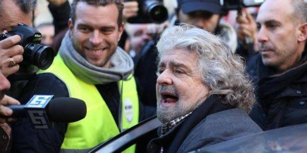 Beppe Grillo deposita lista, programma e simbolo: