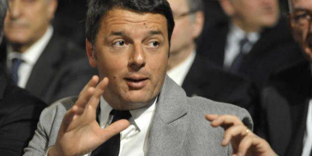 La prima di Matteo Renzi al Quirinale per gli auguri di Natale: via prima del buffet senza salutare