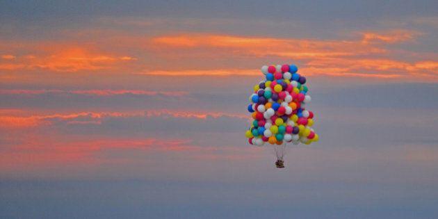 Up diventa realtà! Parte dal Maine la traversata dell'Atlantico di Jonathan Trappe con una mongolfiera...