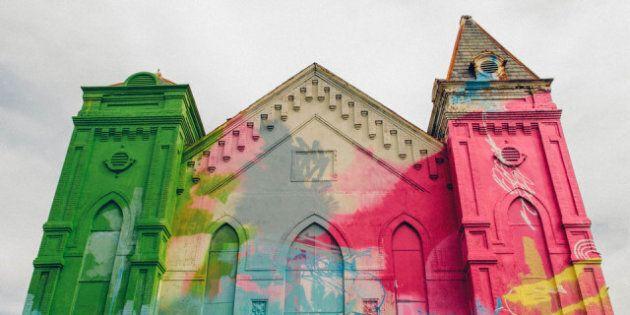 Washington, la chiesa abbandonata diventa un graffito: l'opera di Hense