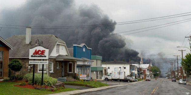 Canada: deraglia treno carico di petrolio, 30 edifici distrutti