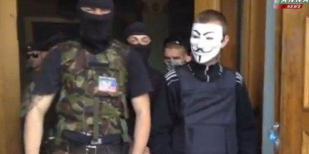 Ucraina, filorussi occupano la sede della tv di Stato a