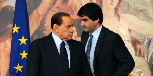Pdl, adesso Fitto e Verdini vogliono la conta e preparano un documento. I sospetti sulla ricucitura Berlusconi-Alfano