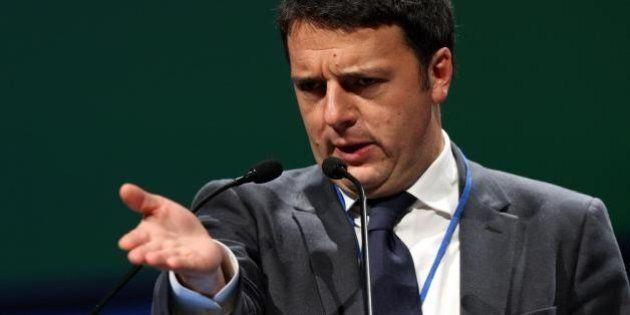 Matteo Renzi, continua la sfida con Beppe Grillo sui temi