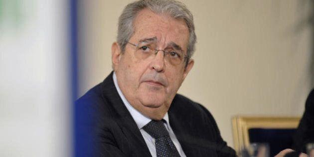 Fabrizio Saccomanni smentisce una nuova manovra, ma le previsioni Istat preoccupano