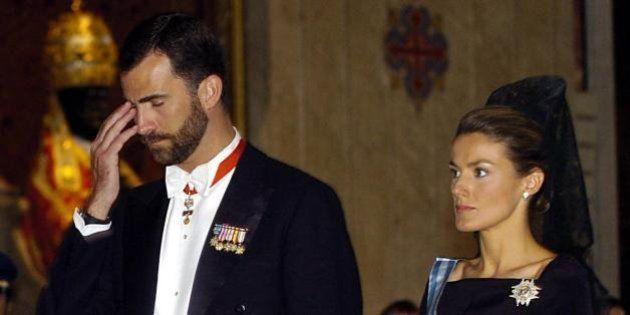 Felipe di Borbone e Letizia Ortiz, i reali di Spagna in crisi: la monarchia spagnola fra gossip e scandali...
