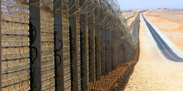 Il nuovo muro dell'Arabia Saudita al confine con lo Yemen e tutte le altre barriere che dividono il