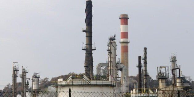 Raffinerie italiane a rischio chiusura. Allarme dei petrolieri, a rischio migliaia di posti di