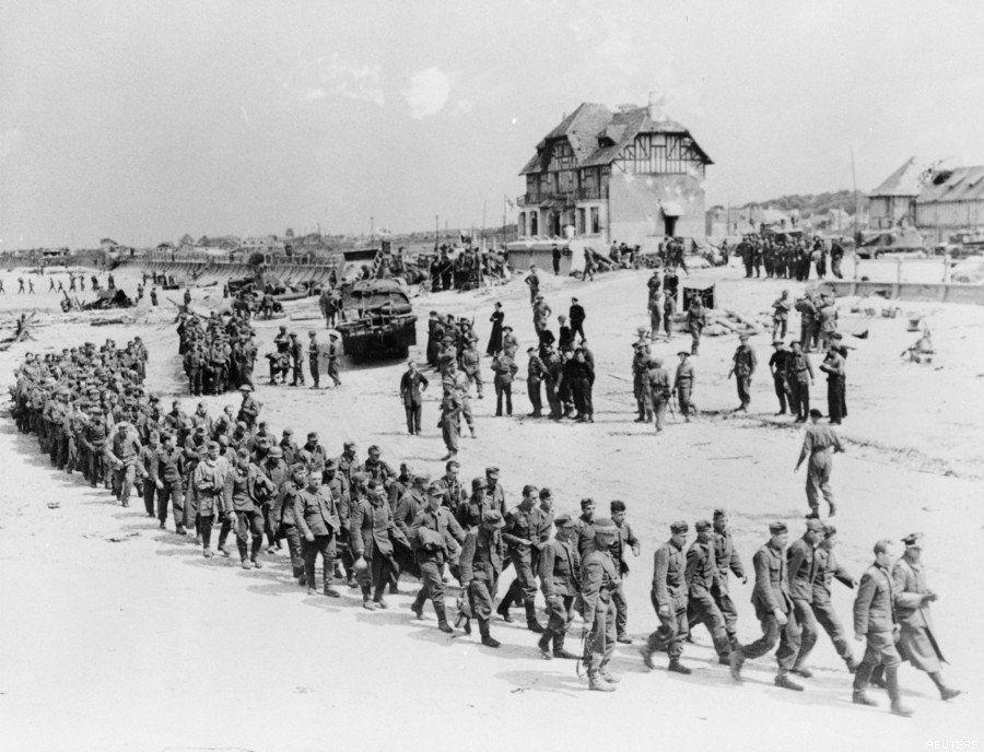 Sbarco in Normandia, le stesse spiagge 70 anni dopo. Un confronto per immagini