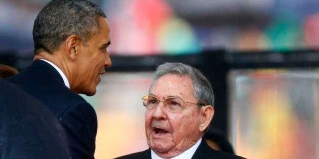 Fidel Castro fa i complimenti al fratello Raul per la stretta di mano con Barack Obama