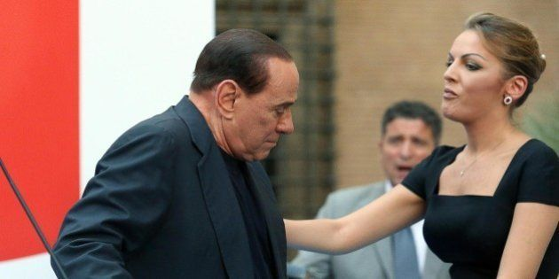 Silvio Berlusconi: i vecchi forzisti contro il cerchio magico: