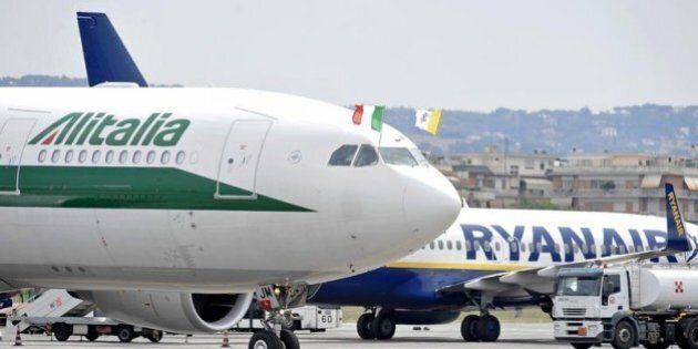 Calano i passeggeri aerei transitati in Italia nel 2013. Alitalia compagnia leader, Roma-Catania prima