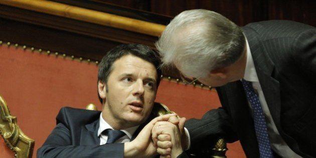 Matteo Renzi come Mario Monti: Angela Merkel usa le stesse parole: