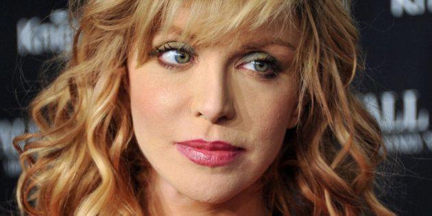 Boeing 777 scomparso, Courtney Love crede di aver trovato l'aereo. Su Facebook la foto con le indicazioni