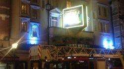 Londra, crolla il tetto dell'Apollo