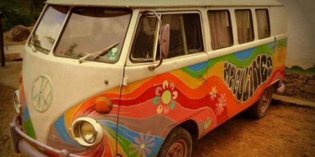 Addio furgoncino della Volkswagen. Da oggi anche il Brasile smette di produrlo. Dai Beatles a Woodstuck,...