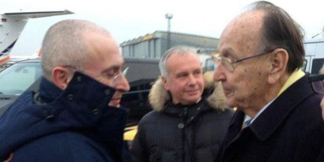 Mikhail Khodorkovsky è libero. L'ex oligarca russo vola a Berlino e aspetta di riabbracciare la madre...