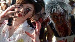 Gli zombie in strada, in mezzo