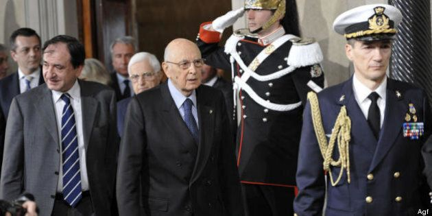 Quirinale 2013, Giorgio Napolitano accetta da Pd e Pdl il ruolo di regista. Ma il bis è legato al governo....