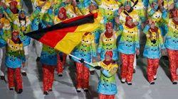 Apertura a Sochi. Guasto alle luci, i cerchi olimpici diventano quattro