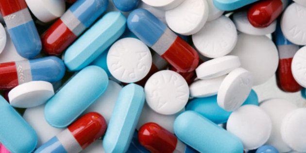 Farmaci in Italia: consumiamo più di una pillola al giorno, gli antidepressivi i più