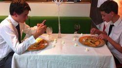 Cena a lume di candela al Mc Donald's? E' possibile. La foto diventa virale