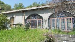 In vendita la villa di Lucio Dalla... dove produceva lo Stronzetto dell'Etna