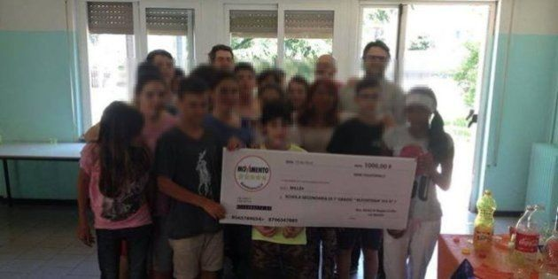 Bambini con assegno M5S in una scuola a La Spezia, è polemica sul web per l'iniziativa dei grillini:...