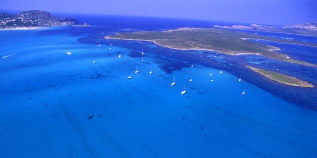 Isole Italia: Gorgona, Palmarola, Asinara, Alicudi. Di atollo in atollo in mezzo al mare